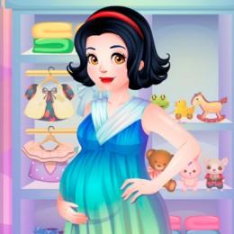 Snow White Pregnancy